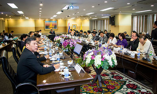 Deputy-Prime-Minister-General-Tanasak-Patimapragorn-at-TAT-meeting-2-500.jpg